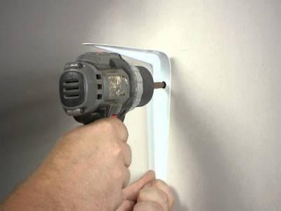 Устанавливаем кронштейн для микроволновки на стену на кухне своими руками