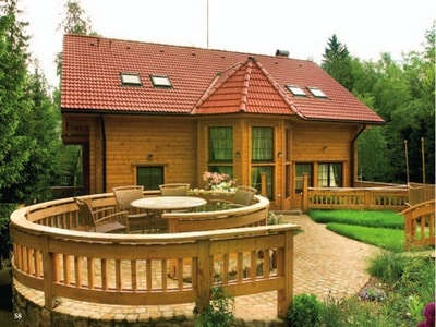 Дом из древесного блока