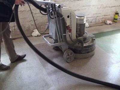 Шлифовальная машина по бетону вибрационного типа