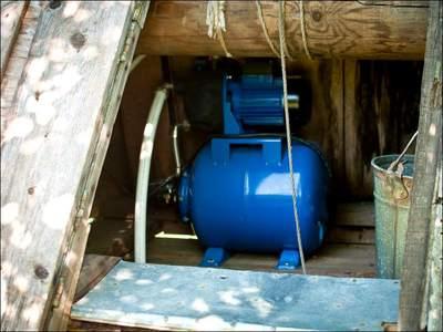 Создаем оптимальный напор своими руками - устанавливаем насос, повышающий давление в водопроводе частного дома или квартиры