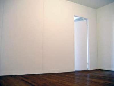 Профессиональные советы: как выровнять стены в квартире своими руками, чем их выравнивать и основные способы выравнивания