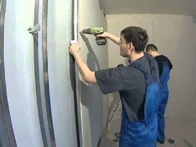 Ремонт в доме своими руками: выравнивание стен гипсокартоном без каркаса и монтаж дополнительных элементов