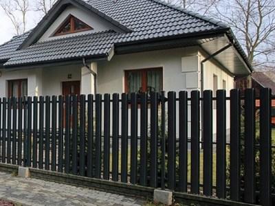 Забор из штакетника для дачи