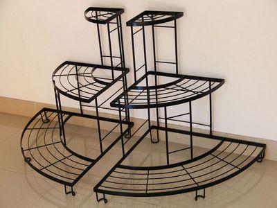Выбираем декоративные конструкции: подставка для цветов металлическая, напольная