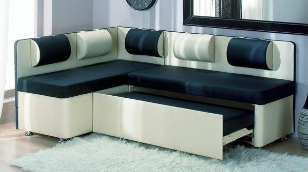 Маленькие диваны для кухни со спальным местом
