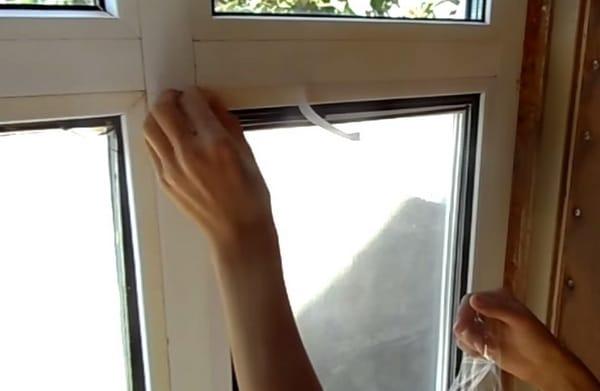 Чем утеплить пластиковые окна