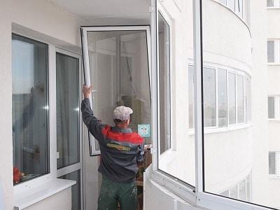 как снять раздвижные окна на балконе