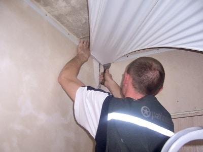 натяжные потолки когда делать во время ремонта
