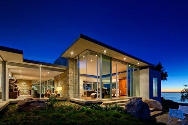 проект современного одноэтажного дома с большими окнами