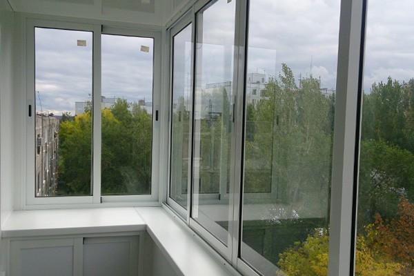 какие окна лучше века или рехау