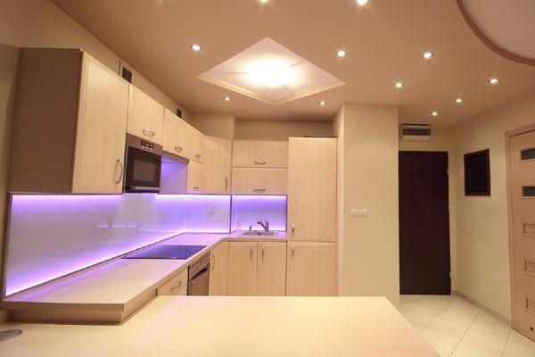 как подключить светодиодную ленту на кухне