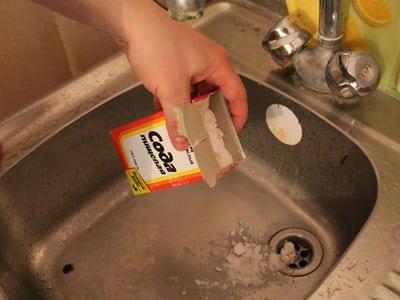 чистка канализации содой и уксусом